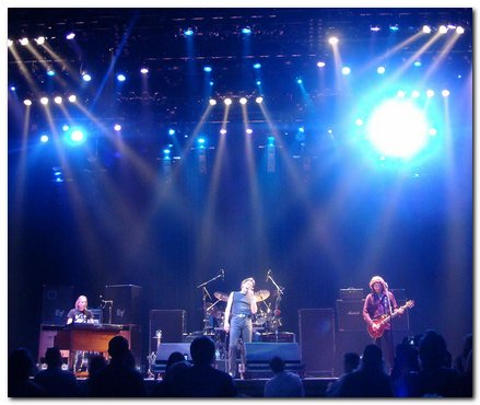 steppenwolf playing live